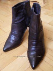 Новые кожаные ботиночки 39 p.