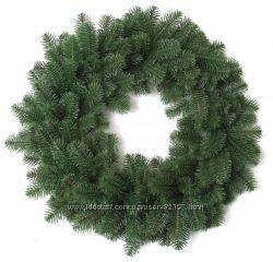 Гирлянды и венки из литых веточек елки, как из живой хвои